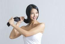 冬季头发干燥起静电如何护理 九个方法让你拥有柔顺秀发